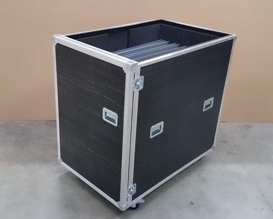 Flight case à roulettes avec intercalaires en polypropylène